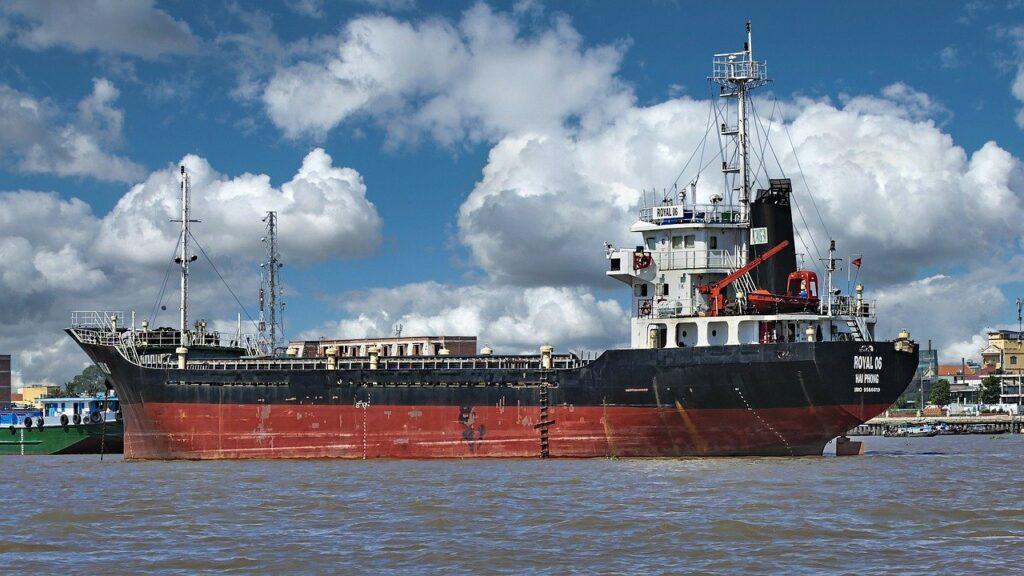 ベトナム貨物船